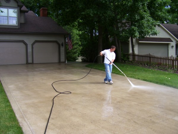 How To Get Those Stains Out Of Your Driveway Rentals In Cleveland Ohio And Cleveland